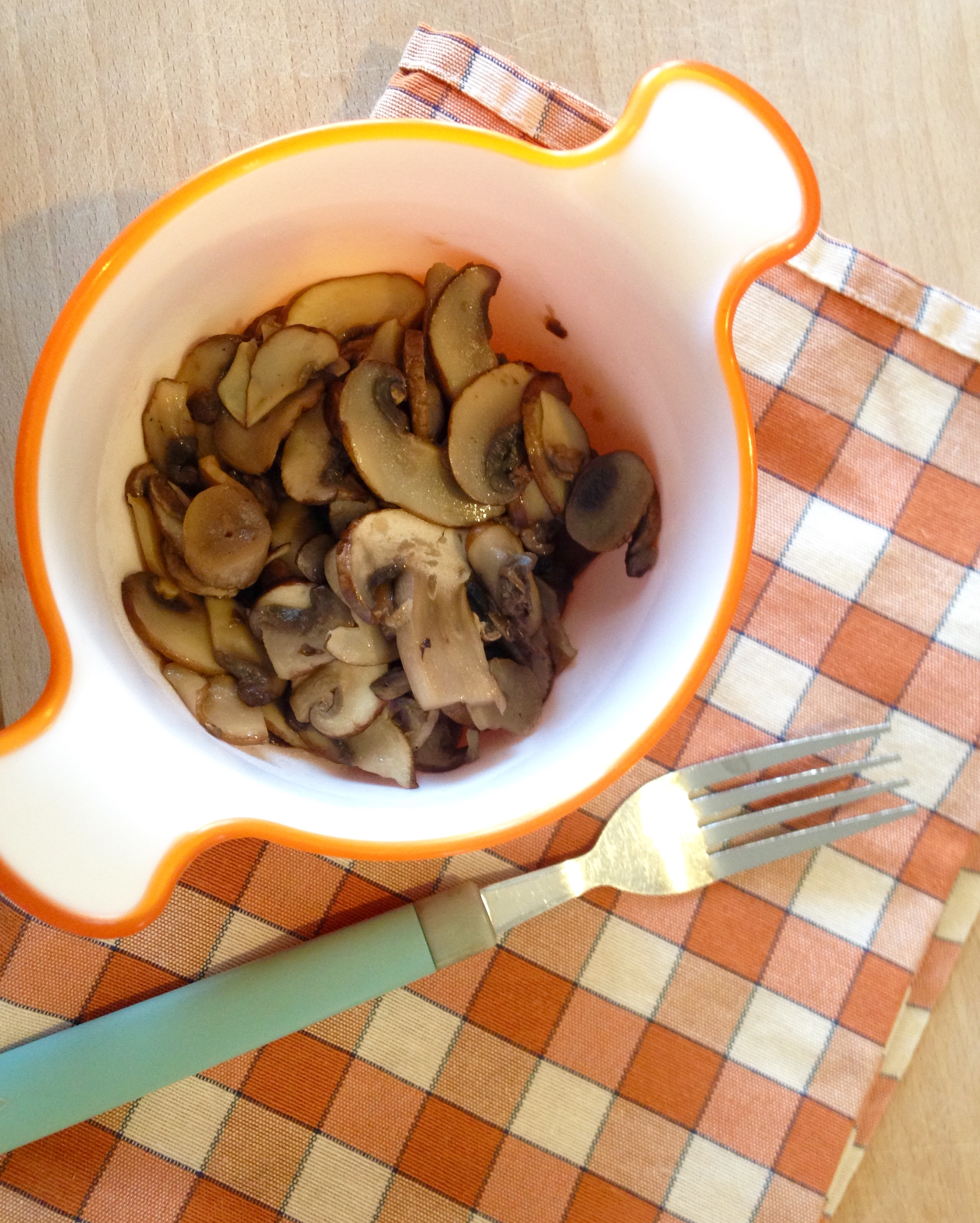 Champignon in padella easily tasty ricetta contorni vegani - Come cucinare champignon ...