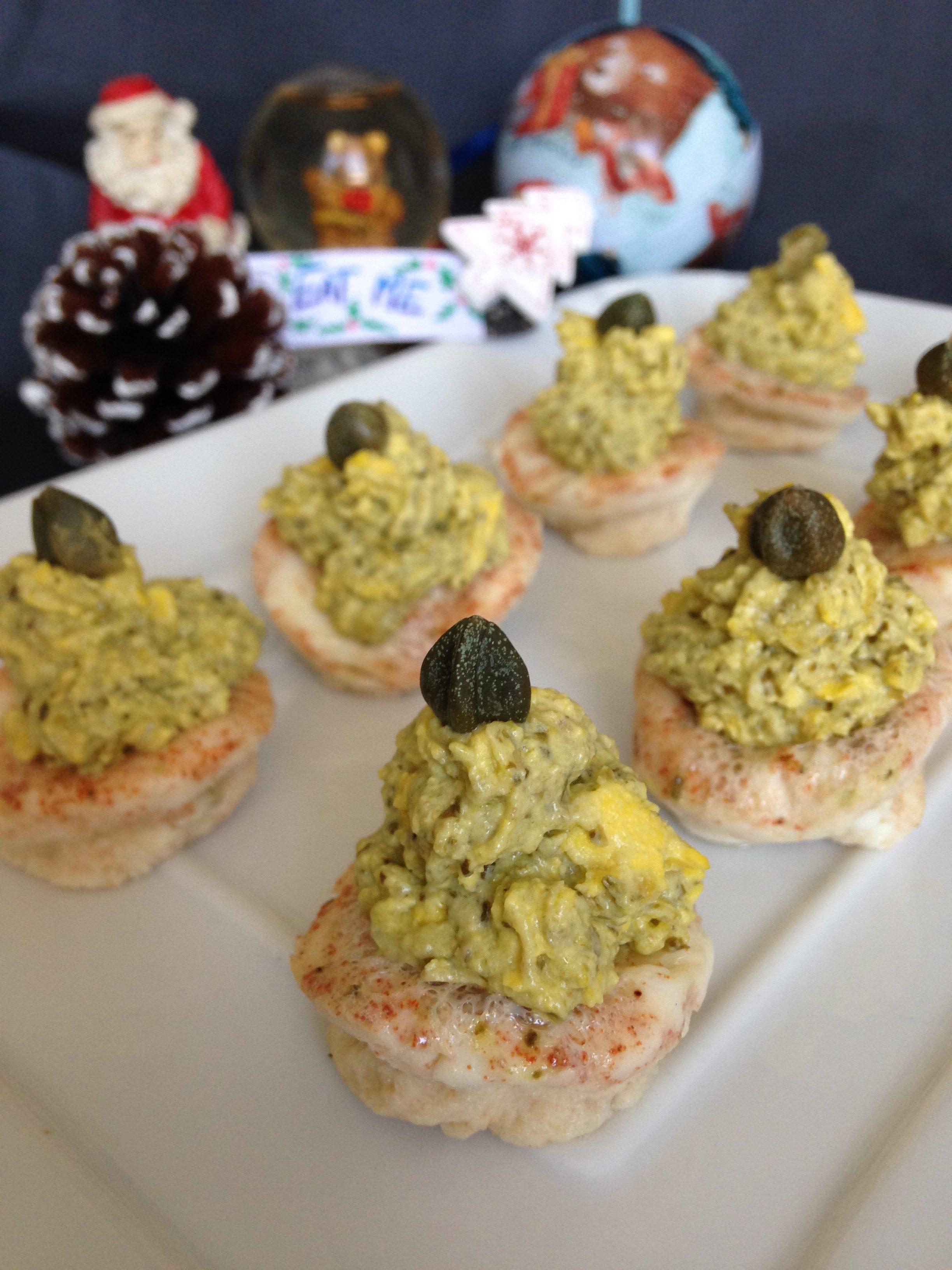 alberelli natalizi di uova