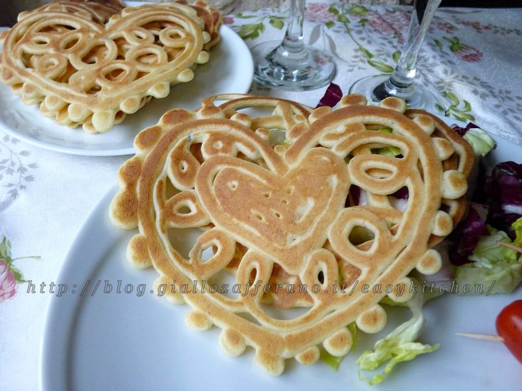 Pancake art cuori al gorgonzola ricetta romantica per San Valentino|Easy Kitchen