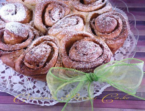 Cinnamon roses cake ricetta torta di rose lievitata
