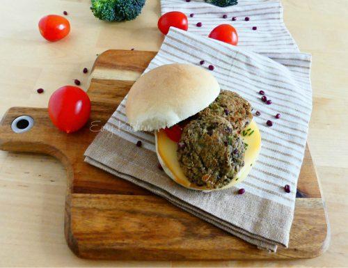 Polpette vegetariane con fagioli rossi Azuki e broccoli