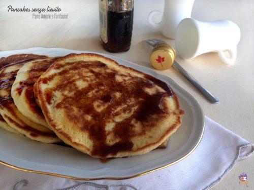 Pancakes (ricetta senza lievito)