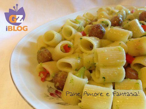 Mezze maniche con polpettine e broccoli – ricetta pasta