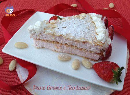 Torta con spuma di fragole – ricetta golosa