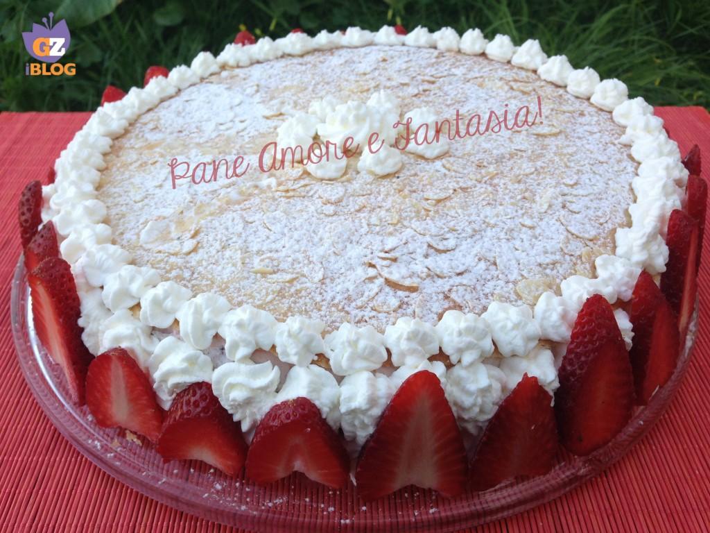 torta con spuma di fragole 3