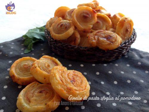 Girelle di pasta sfoglia al pomodoro