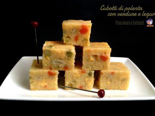 Cubotti di polenta con verdure e legumi – ricetta