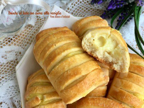 Brioche al latte con crema alla vaniglia (anche Bimby)