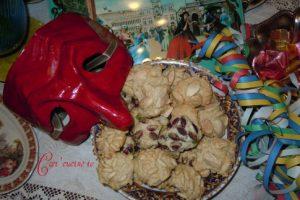Pasticcini speziati di pasta di mandorle