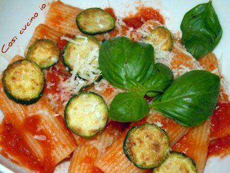 """Rigatoni alle zucchine tipo """"norma"""""""