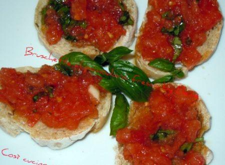 Bruschette al pomodoro fresco  basilico e capperi