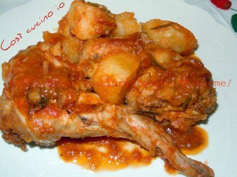 Coniglio e patate al pomodoro