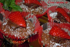 Muffins al cioccolato e fragole