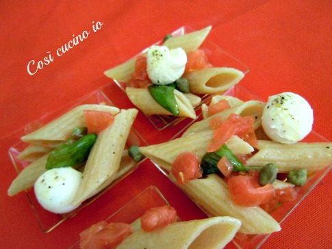 Penne integrali alla caprese (ricetta finger food)