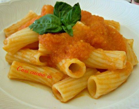 Rigatoni pomodoro fresco e basilico