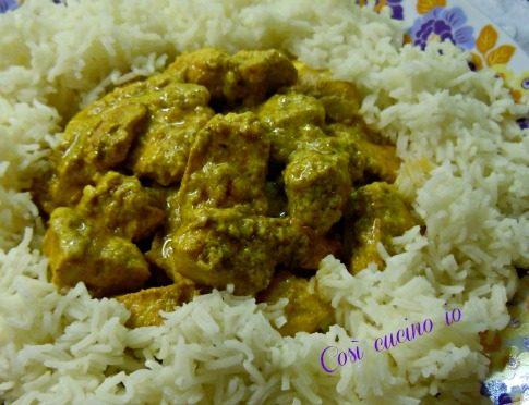 Pollo al curry con riso basmati (ricetta semplice)