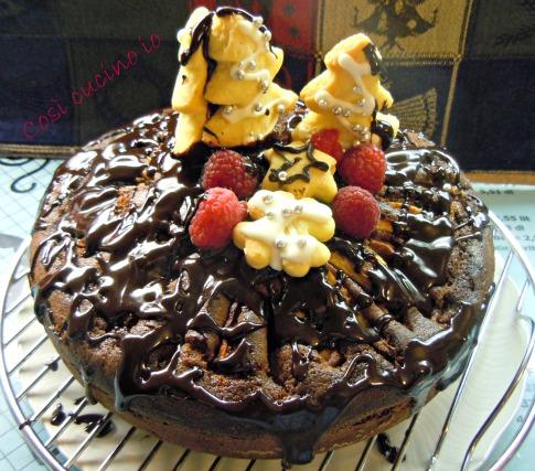 Torta natalizia cioccolato lamponi pere