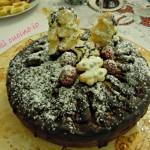 Torta natalizia cioccolato pere e lamponi
