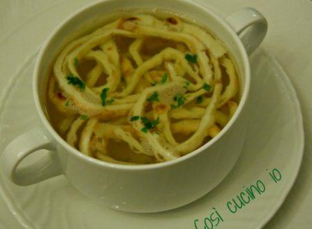 Finti tagliolini in brodo (ricetta tirolese)