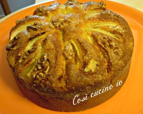 Torta morbida con frutta secca e pere