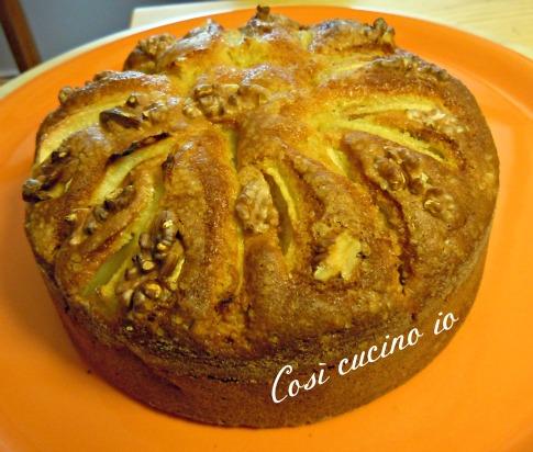 Torta morbida con frutta secca  e noci così cucino io