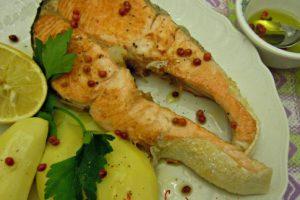 Salmone al pepe rosa (ricetta light)