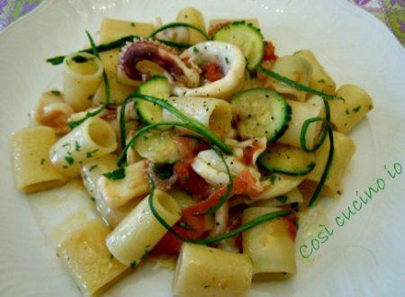 Canneroni al sugo di calamaro e zucchina (ricetta semplice)