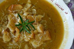 Zuppetta di verdure profumata (ricetta veloce e light)
