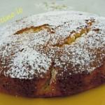 Torta allo zafferano con pere e cioccolato bianco