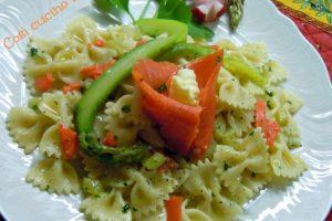 Farfalle asparagi e salmone (ricetta raffinata)