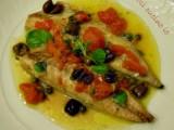Filetti di sgombro pomodorini capperi e olive Così cucino io