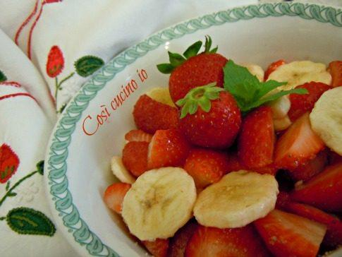 Dessert di fragole e banana (ricetta semplice)