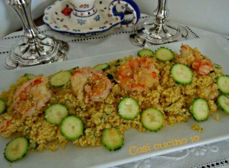 Cuscus gamberi zucchine e curry, ricetta estiva