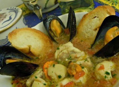 """Zuppa di pesce """"cuccagna"""", ricetta primo piatto"""