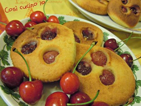 Focaccine alle ciliegie-Così cucino io