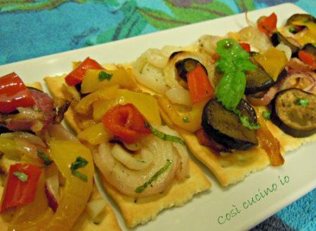 Crostini di verdure al forno, ricetta antipasti