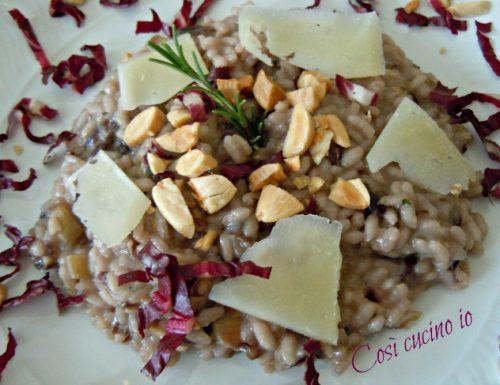 Risotto di radicchio tardivo, mandorle e grana padano, primo piatto