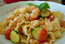 Reginette gamberi, datterini e zucchine, ricetta primi piatti