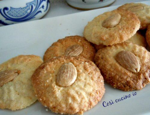 Biscotti di riso e mandorle