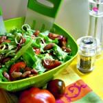 Insalata mista in salsa di acciughe, ricetta primaverile