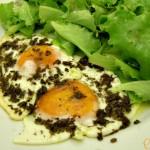 Uova all'occhio di bue in salsa di funghi-Così cucino io