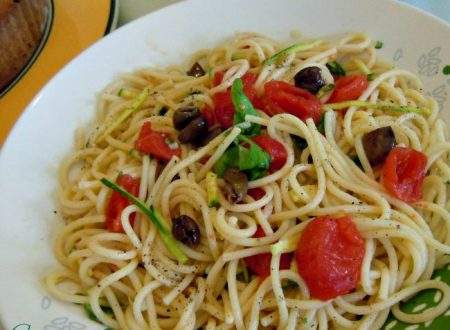 Spaghetti alla crudaiola di zucchine