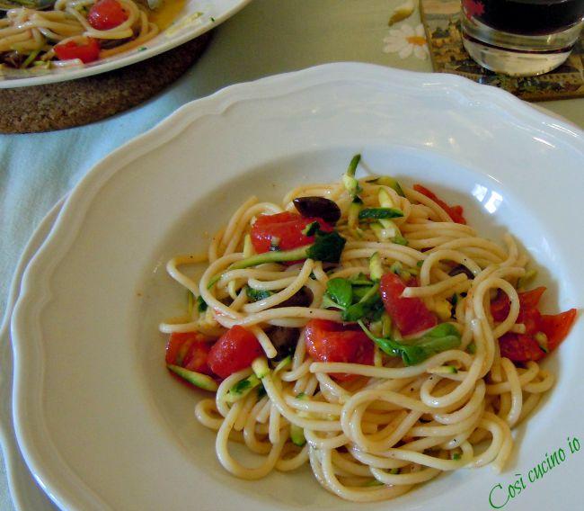 Spaghetti alla crudaiola di zucchine-Così cucino io