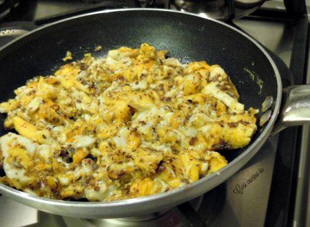 Uova strapazzate in salsa di funghi tartufata