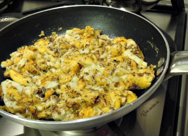 Uova strapazzate in salsa di funghi-Così cucino io