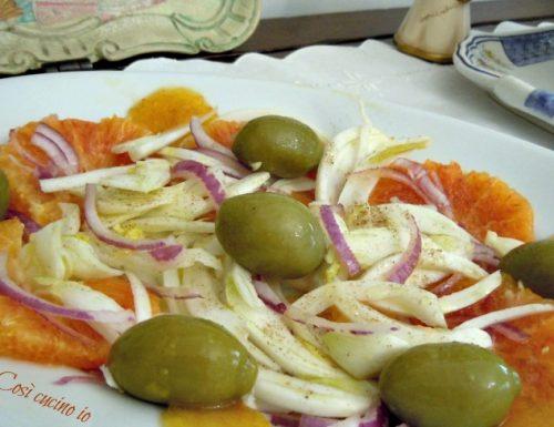 Insalata di arance, finocchio e cipolla di tropea