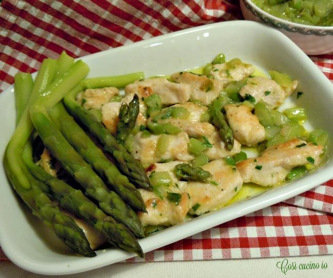 Bocconcini di pollo agli asparagi
