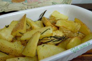 Patate novelle con la buccia al forno