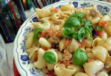 Insalata di pasta al tonno e olive taggiasche