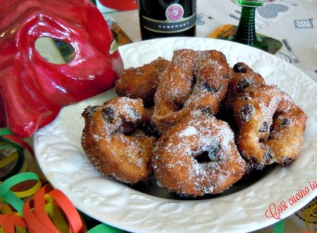 Fritoe venexiane col buso (Frittelle veneziane col buco)
